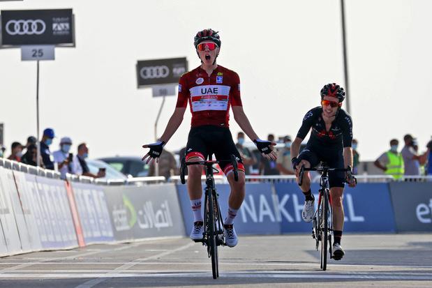 UAE Tour: Pogacar troeft Yates af en klimt naar zege in derde rit