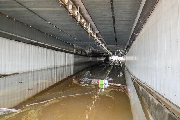 Vers une interdiction du transit des poids lourds à Liège