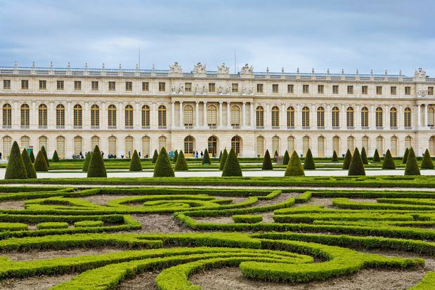 Versailles kraakt onder coronacrisis