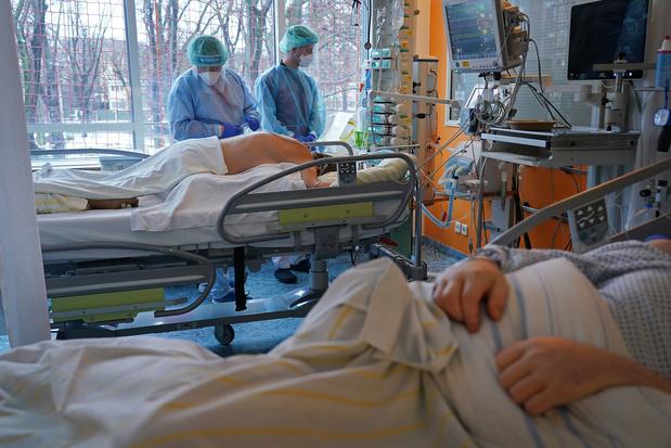Covid-19 sévère : la position couchée éveillée est bénéfique pour les patients non intubés