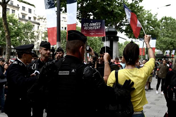 Gilets jaunes : Le calme revient sur les Champs-Elysées après des tensions