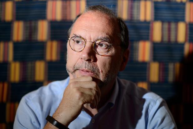 """Professor Peter Piot: """"verplicht vaccinatie in zorgvoorzieningen"""""""