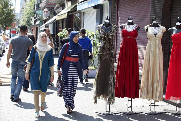 Facettes du voile islamique: repenser le religieux dans les espaces publics (carte blanche)