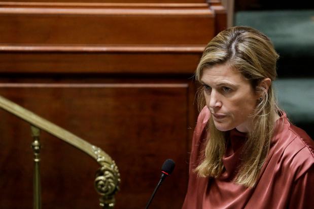 """Annelies Verlinden à propos des rassemblements interdits: """"Il faut que cela cesse"""""""