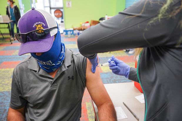 Aux Etats-Unis, la bataille pour vacciner les réticents ne fait que commencer