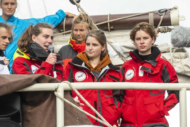 Anuna de Wever et Adélaïde Charlier continuent leur périple en voilier malgré l'annulation de la COP