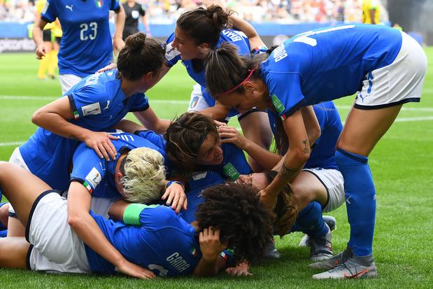 WK Vrouwen: Engeland en Italië plaatsen zich voor achtste finales