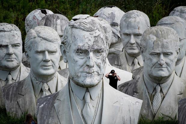 Urbex: ces présidents qui moisissent sur un terrain vague (en images)