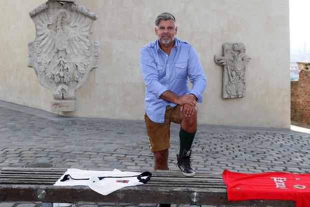 Richard Niederbacher: een eenzame voetballer strikt Miss België