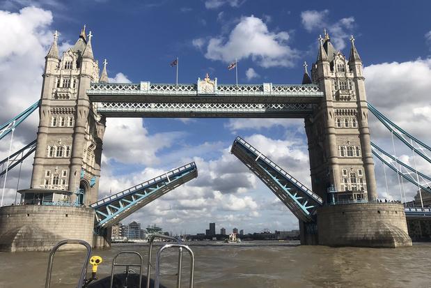 Le Tower Bridge de Londres se bloque et provoque des bouchons monstres