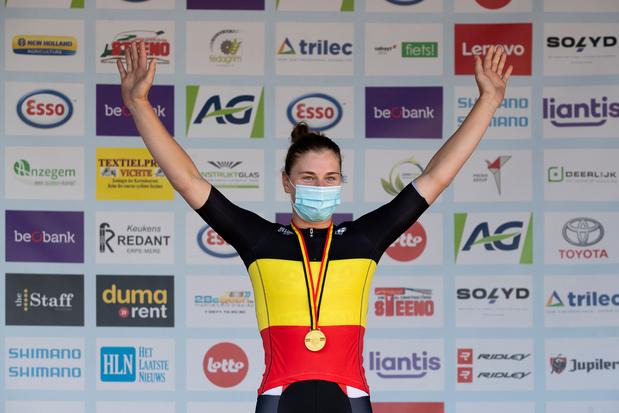 Lotte Kopecky wint Belgisch kampioenschap na sprintduel met Jolien D'hoore