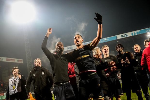 """L'Antwerp rejoint le Club Bruges en finale après """"un match stressant"""" à Courtrai"""