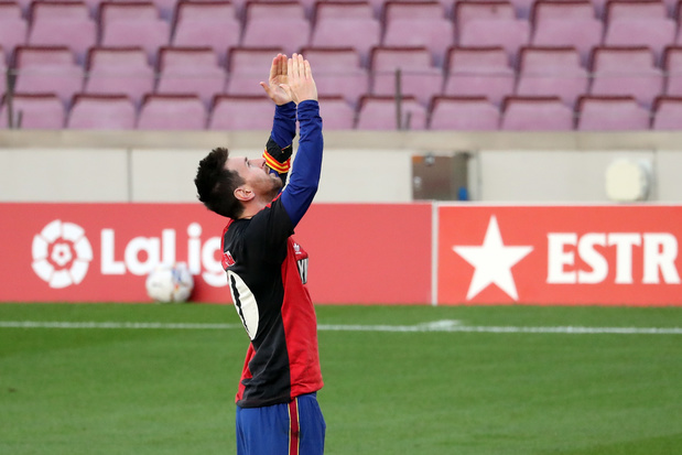Messi reçoit une amende de 600 euros pour son hommage à Maradona