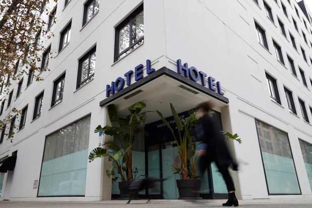 A Barcelone, certains hôtels se réinventent pour survivre