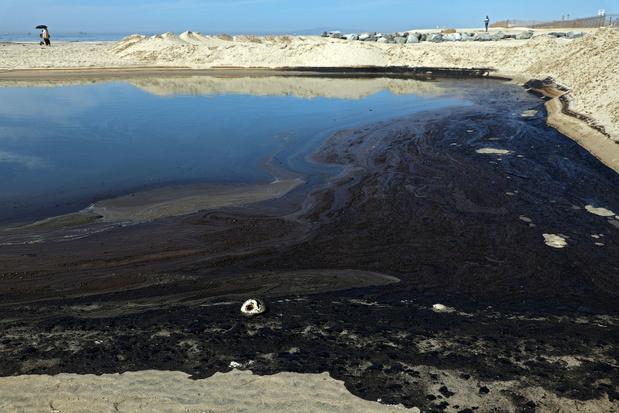 Lekkende olie bereikt kust van Californië
