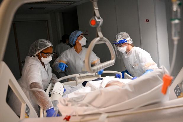 Covid en Belgique: moins de cinq décès par jour en moyenne sur la dernière semaine