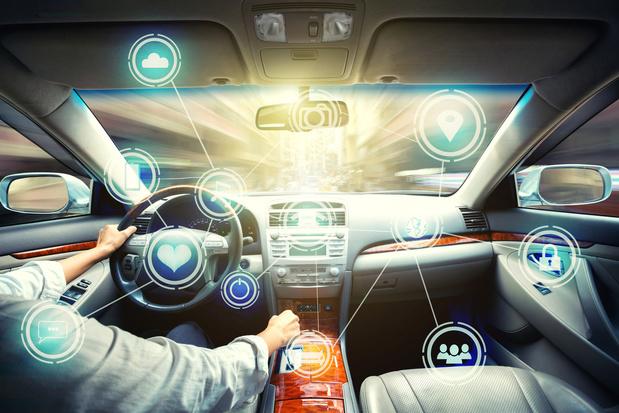 Les voitures de plus en plus connectées, de plus en plus piratées