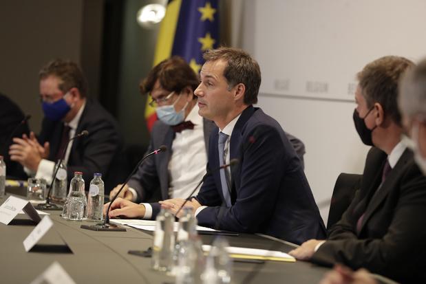 """Comité de concertation: """"Nous devons montrer de la constance et ne pas changer sans arrêt de stratégie"""" (De Croo)"""