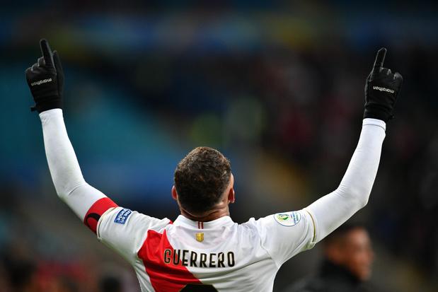 Peru verrast titelhouder Chili op Copa América