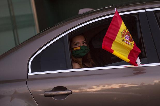 Espagne : manifestation en voiture contre le gouvernement de Pedro Sanchez