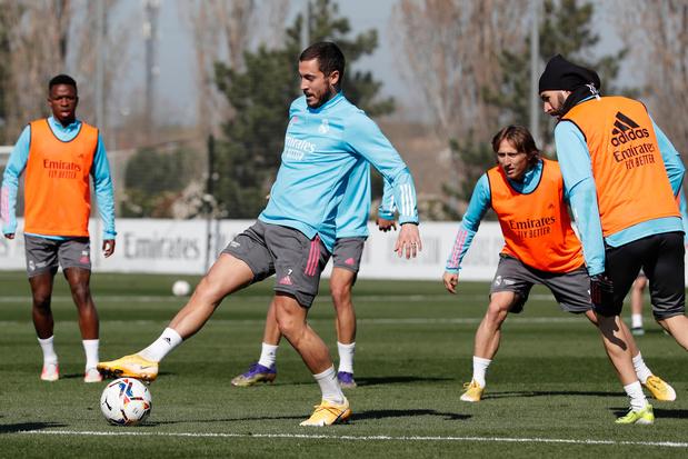 Vroeger dan verwacht: Hazard opnieuw op training bij Real Madrid