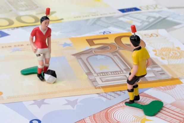 La fin anticipée de la saison de football coûtera cher à des clubs belges guère fringants