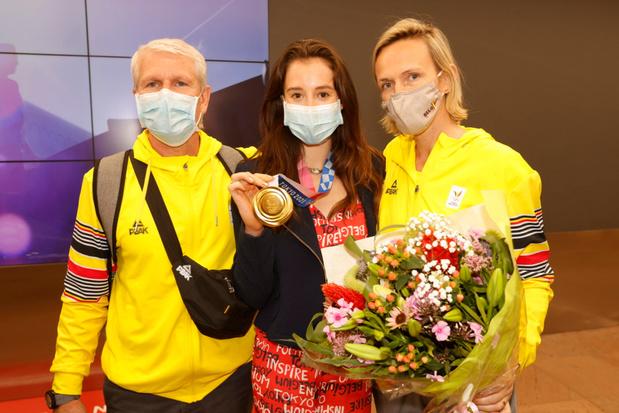 Gouden Nina Derwael aangekomen in België: 'Nu genieten van familie'