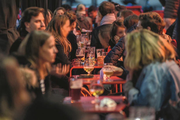 "Bars, restaurants, transports en commun: ""où"" attrape-t-on la Covid ? (décodage)"