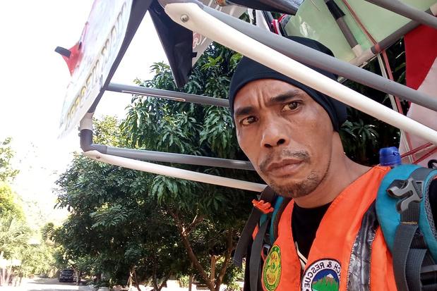 Indonesiër stapt 700 kilometer achteruit tegen ontbossing