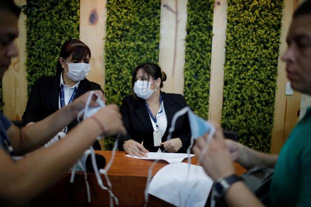 Coronavirus: De nombreux passagers laissent tomber leurs billets d'avion, constate l'Iata