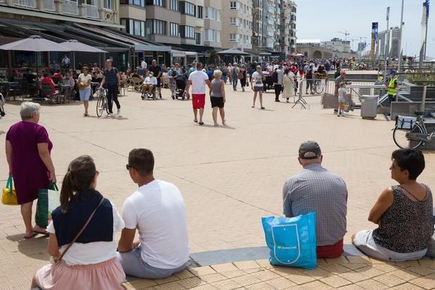 Les bourgmestres de la côte insistent pour ouvrir leurs terrasses à Pâques