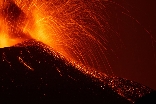 Le volcan Etna est entré en éruption (vidéo)