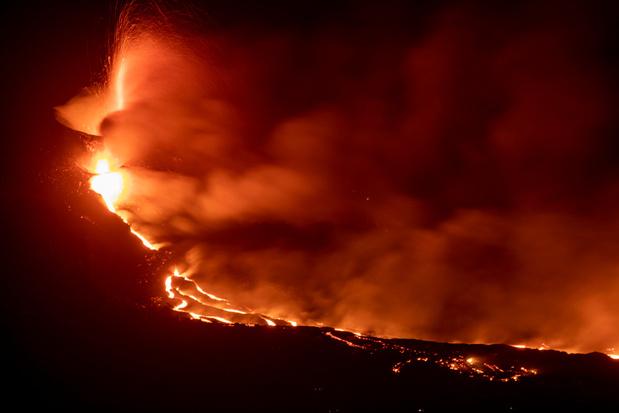Eruption aux Canaries: la lave a déjà gagné 10 hectares sur la mer