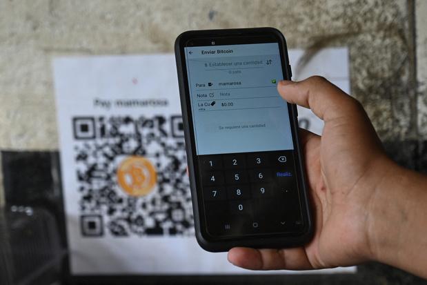 Au Salvador, le mystère du bitcoin devenu monnaie légale et dont le cours chute de 17%
