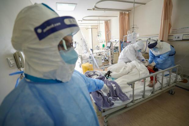 Coronavirus: directeur ziekenhuis Wuhan bezwijkt onder ziekte
