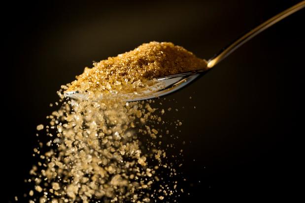 """Muscovado, sirop d'érable, mélasse... Le sucre """"dédiabolisé"""" en 90 recettes"""
