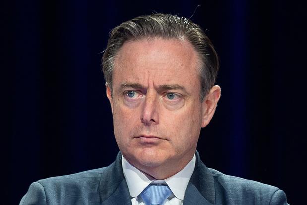 """Bart De Wever reste ouvert à un gouvernement: """"Rien contre le PS, mais avec le confédéralisme"""""""
