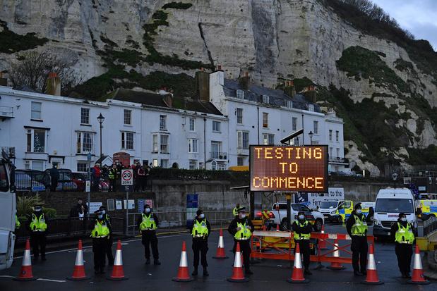 Bruxelles critique le blocage par la France de camions venant du Royaume-Uni