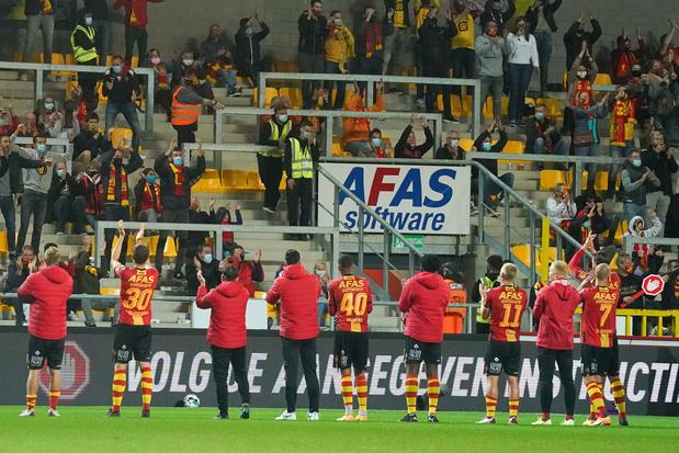 Moeten supporters binnenkort eerst door chloordouche in het stadion?