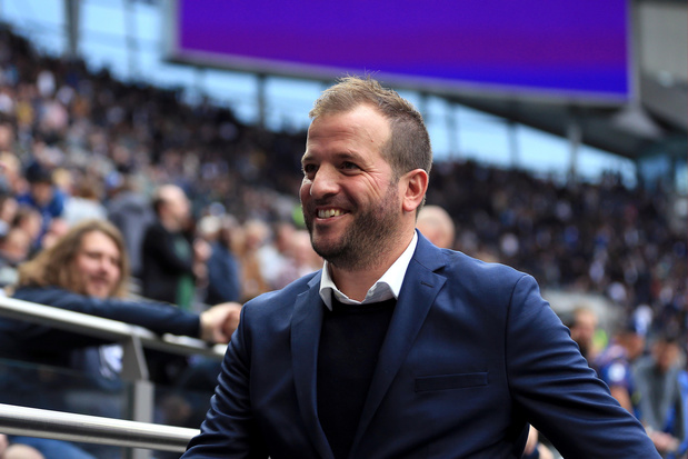 Van der Vaart countert kritiek Courtois: 'Ga gewoon voetballen of lever de helft in'