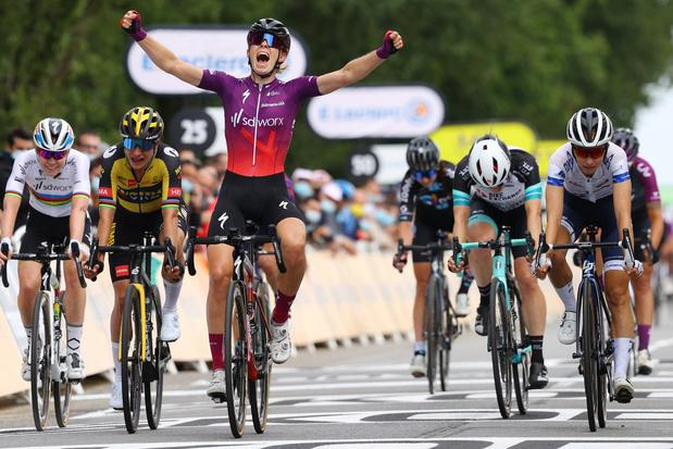 La Course: Demi Vollering sprint naar winst in laatste editie