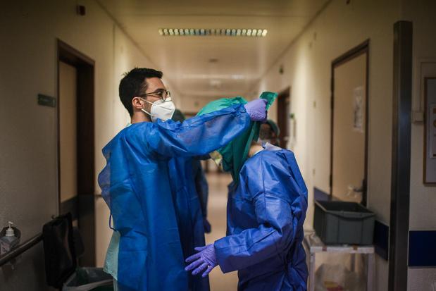 Le coronavirus a tué plus de 250.000 personnes dans le monde