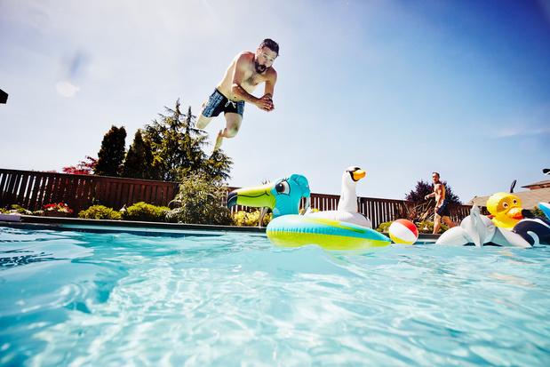 """Swimmy, l'""""Airbnb de la piscine"""" à la conquête des Belges"""