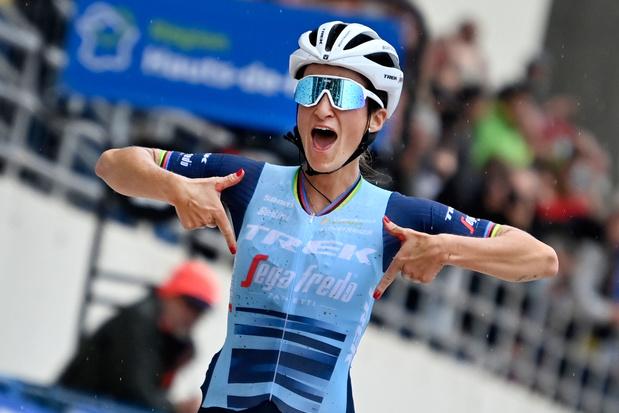 Deignan rondt lange solo af en wint Parijs-Roubaix, geen glansrol voor D'hoore bij afscheid