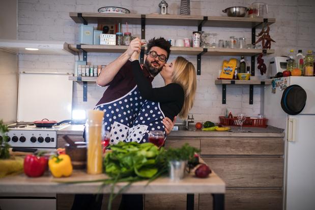 Vie de couple et confinement: 10 façons de créer des moments romantiques