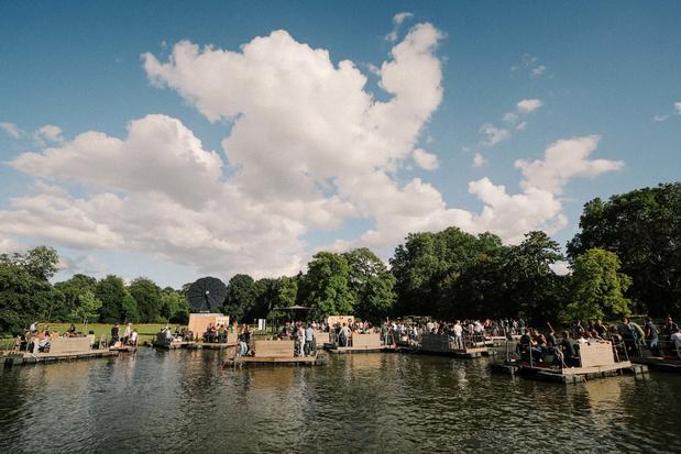 Win een boot voor 8 personen op Paradise Down by the Lake