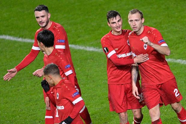 Antwerp keert achterstand om tegen Charleroi en komt de top-4 binnen