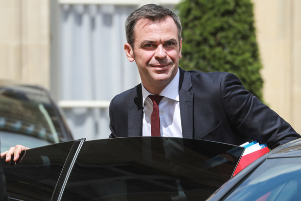 """France: près de 500 """"clusters"""" mais pas de """"deuxième vague"""" pour l'instant"""
