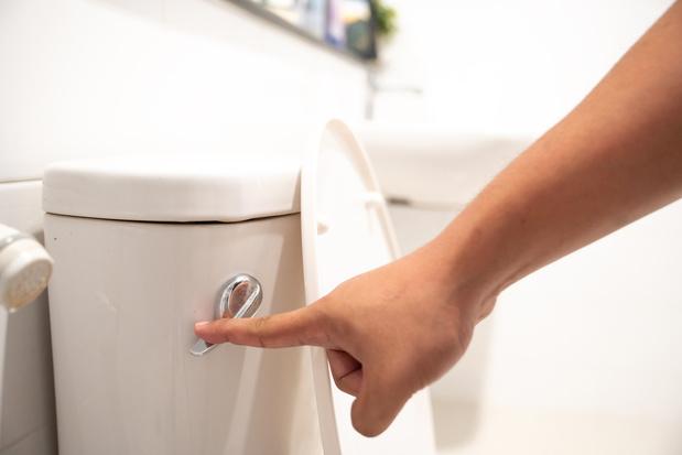 Comment réparer une chasse d'eau qui fuit