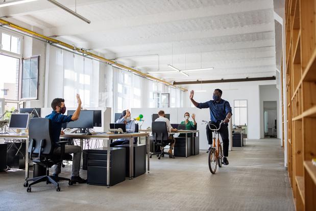 Repenser le bureau physique et ses besoins en connectivité